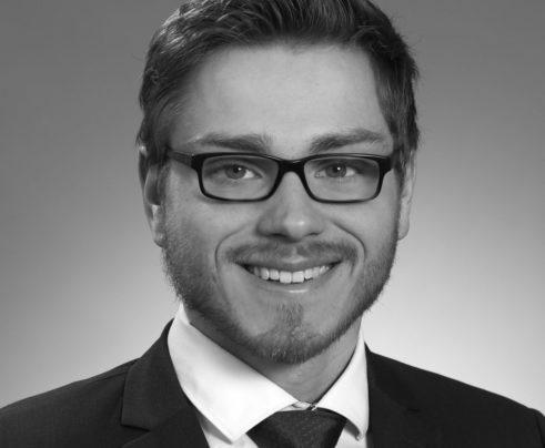 Meusel-Maximilian_SchwarzWeiß_kleiner_size